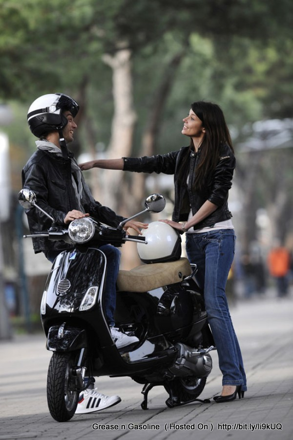 Cafe Racer Girl Wallpaper Piaggio Vespa Vespa Girls Grease N Gasoline