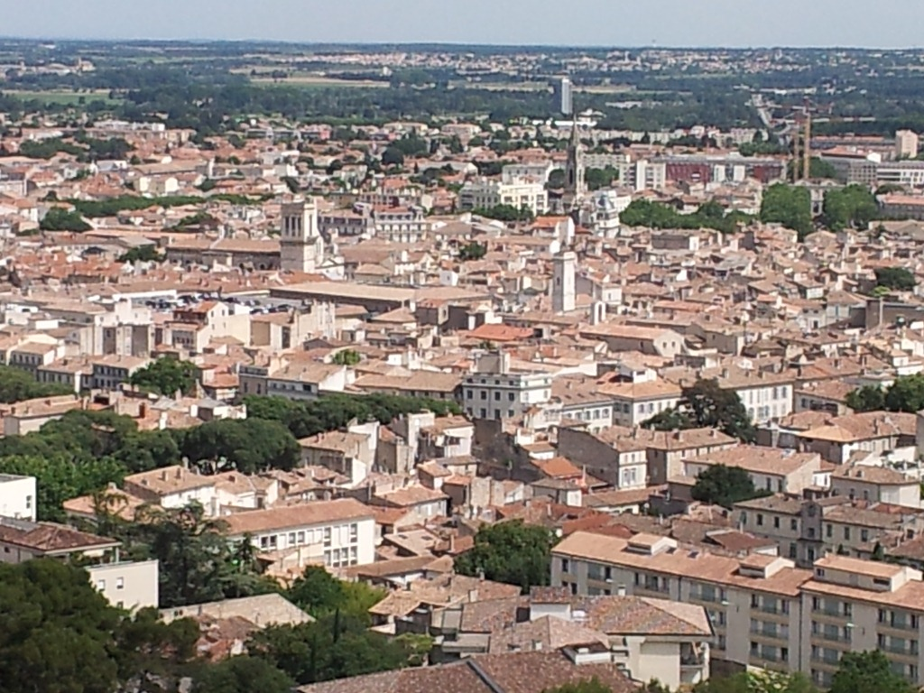 Fly Nimes Nîmes The Town With An Accent Down By The Dougie