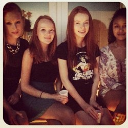Redheads galore: Deborah Schoutema, Nienkje Bootsma and me at a bbq last summer