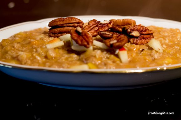 Simple Pumpkin Oatmeal With Apple and Pecans