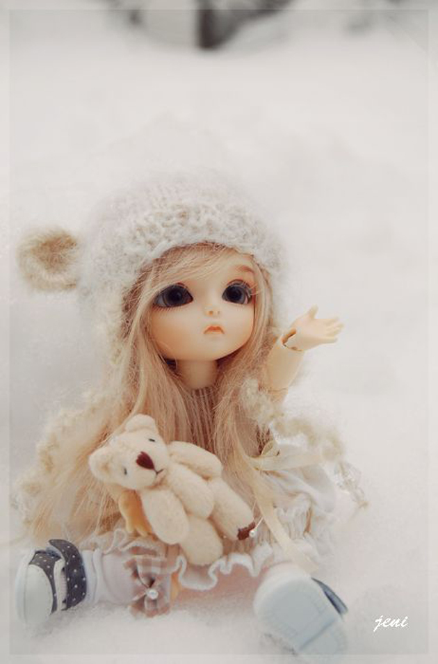 Thinking Girl Wallpaper Cute And Beautiful Girl Baby Dolls Great Inspire