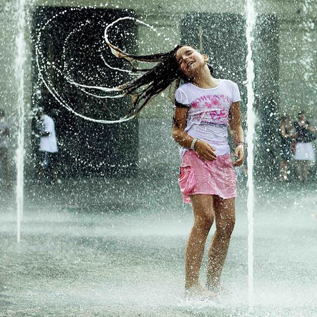 Cute Kid Couples Wallpapers Cute Baby Enjoying Rain Images Great Inspire