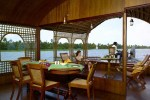 house_boat211-600x449