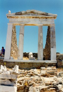 the Temple of Isis and the statue of the goddess in Delos