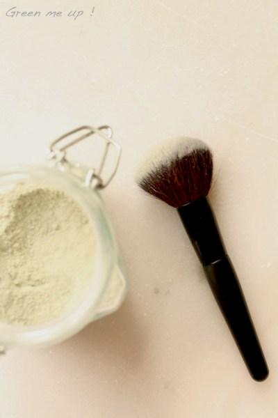 argile-maquillage-poudre