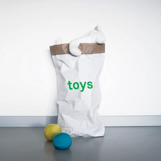 3plastic-toys-papiersack_lolor