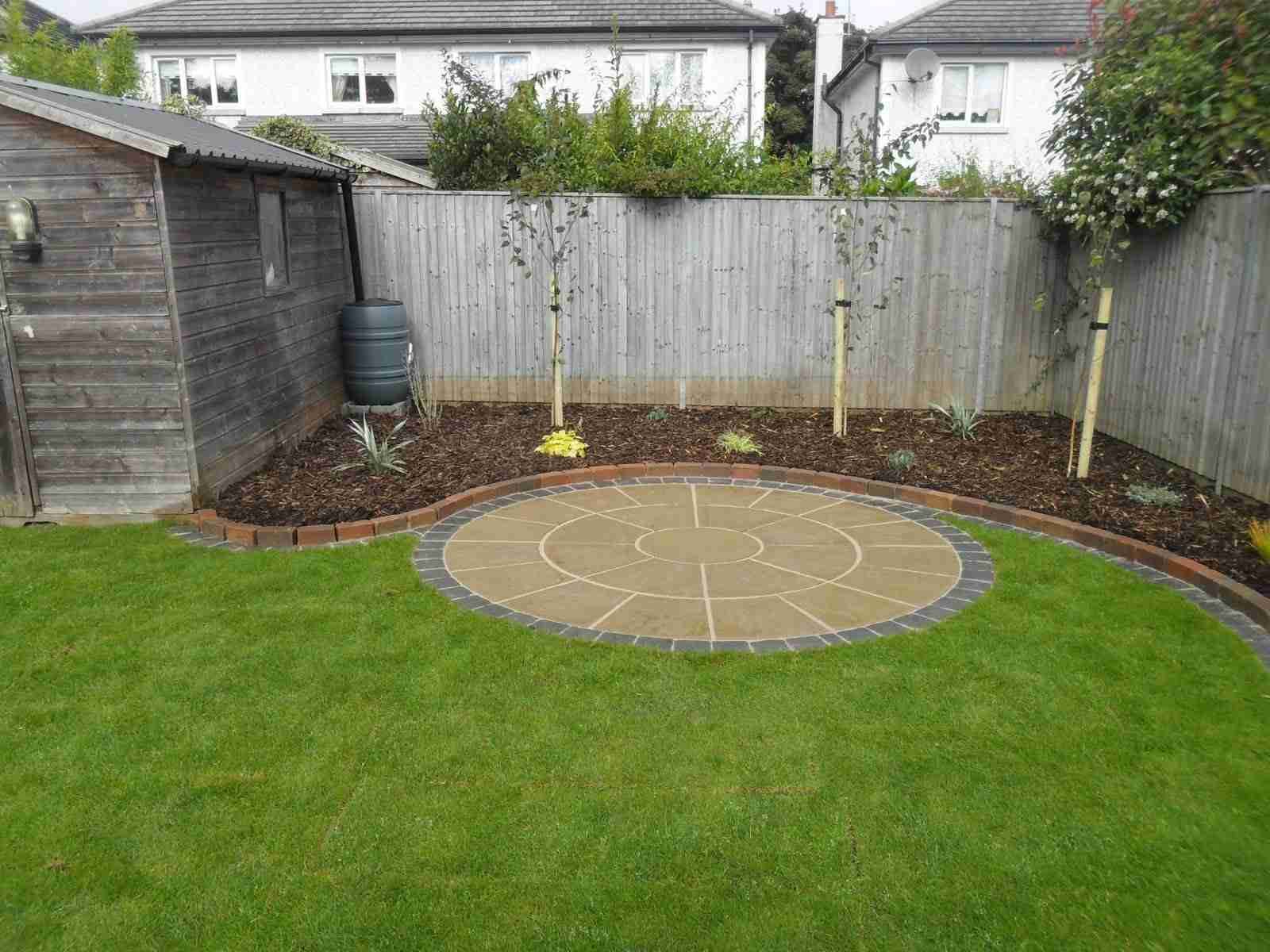 Patio Designes Circular Patio Raised Patio Garden Design Roschoill