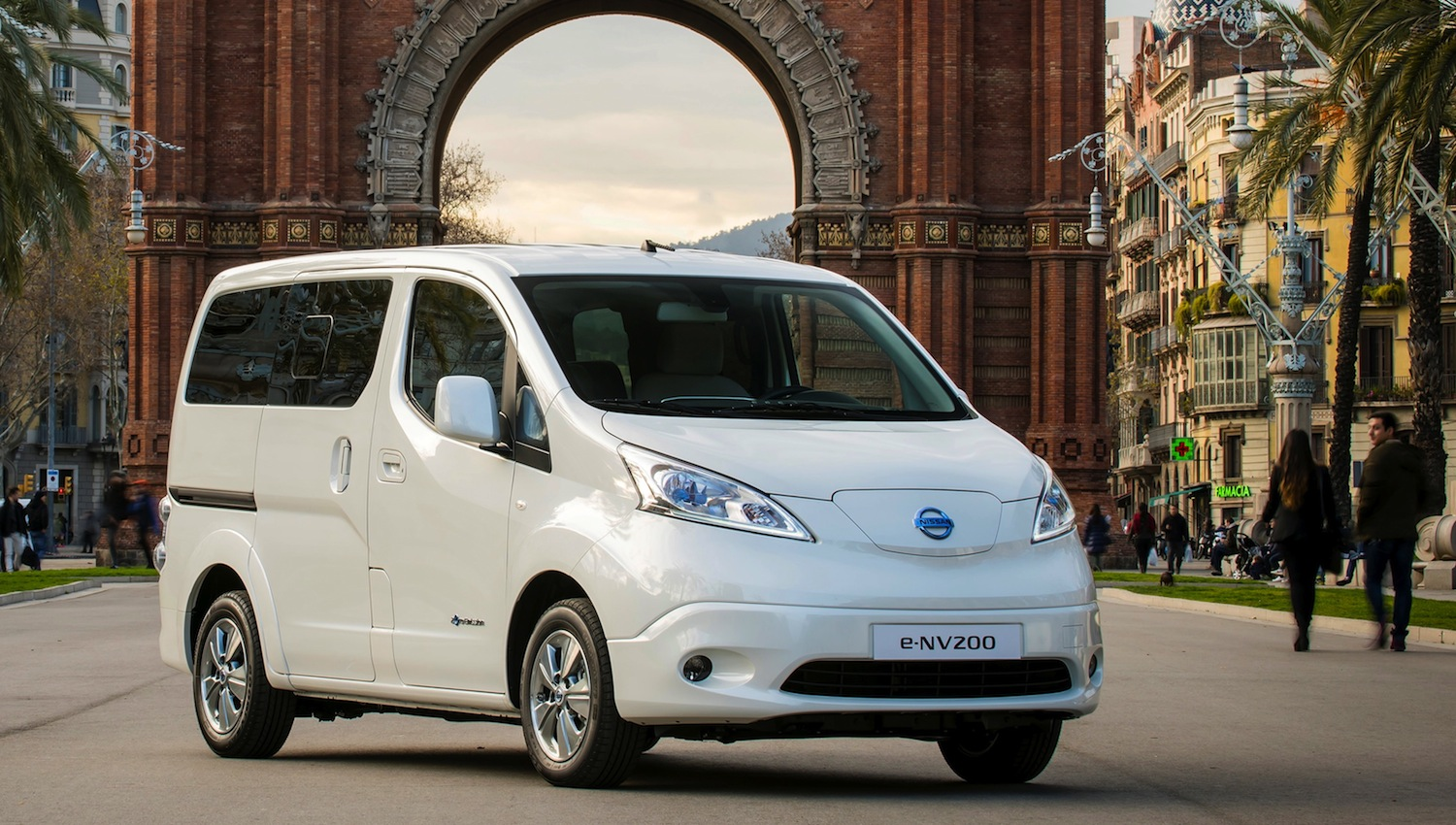 7 Seater Electric Car Nissan Launches Seven Seat All Electric E Nv200