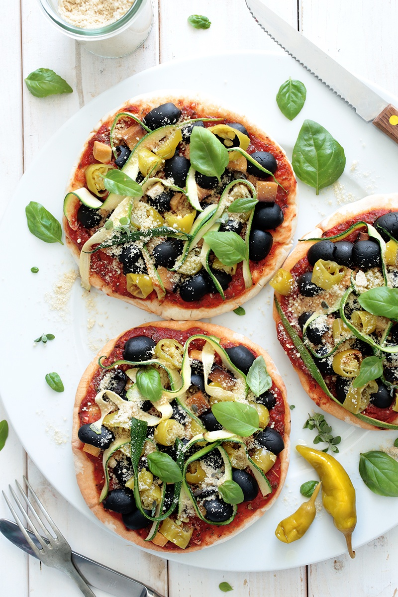 Simple Vegan Pita Pizzas