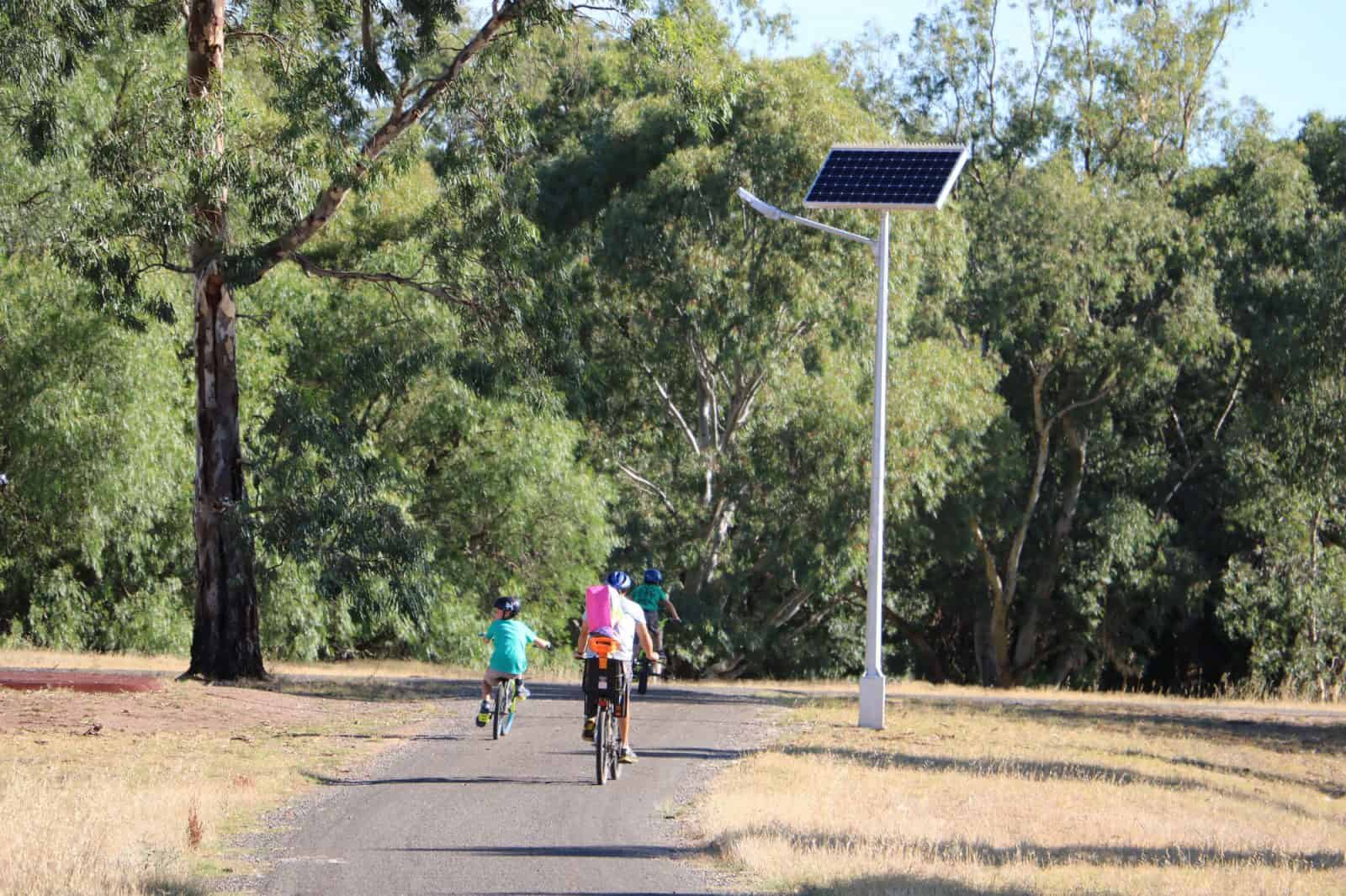 Solar Lights Australia Solar Street Lighting Light Council Hewett Green Frog Systems