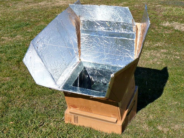 Off Grid Living DIY Stove - Solar Cooker from a Carboard Box