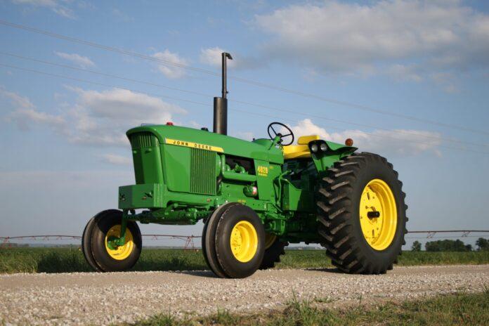 The John Deere 4020 New Generation Tractor - Green Magazine