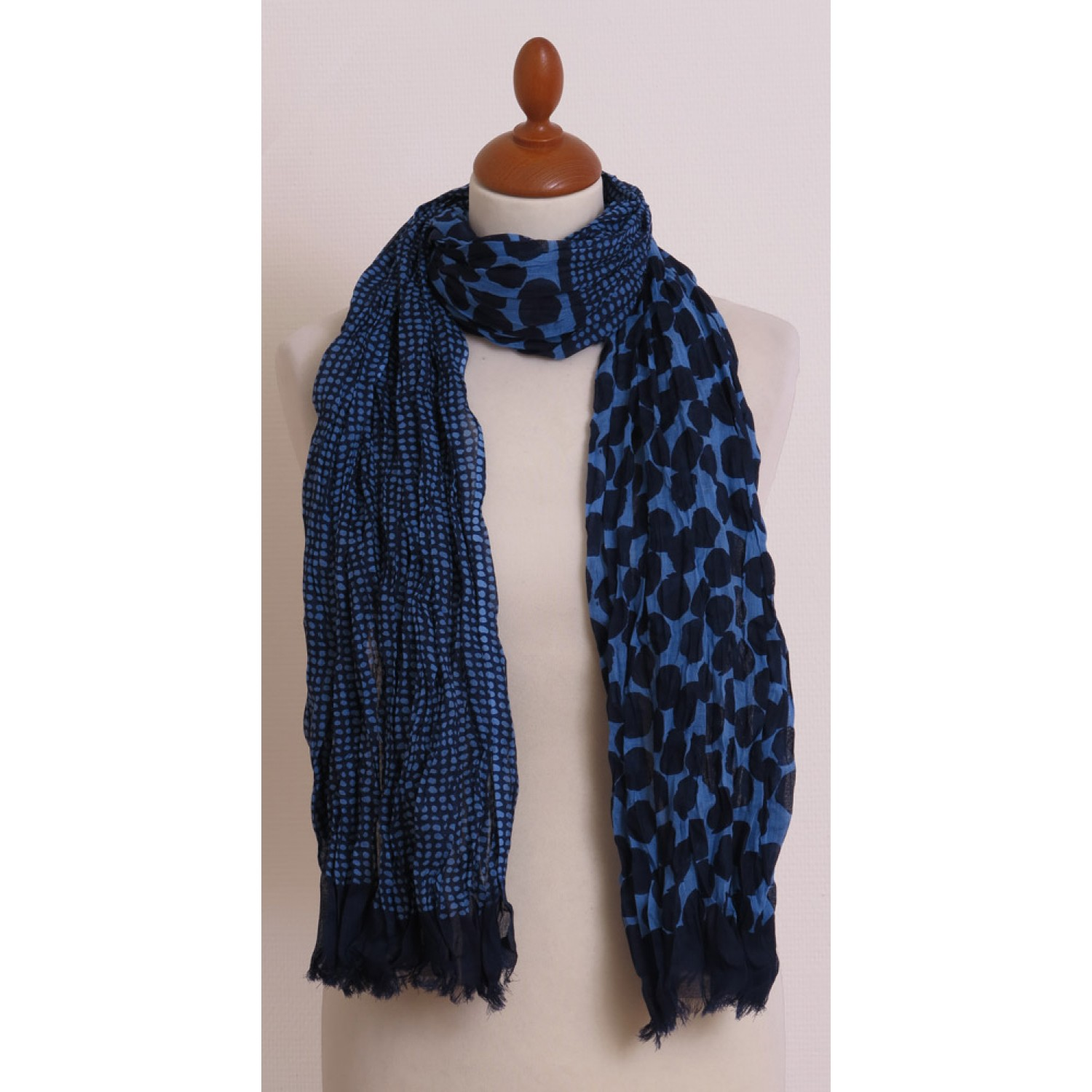Bettwäsche Made In Germany Blue Scarf With Dots Pattern Made Of Organic Cotton By Billbillundbill