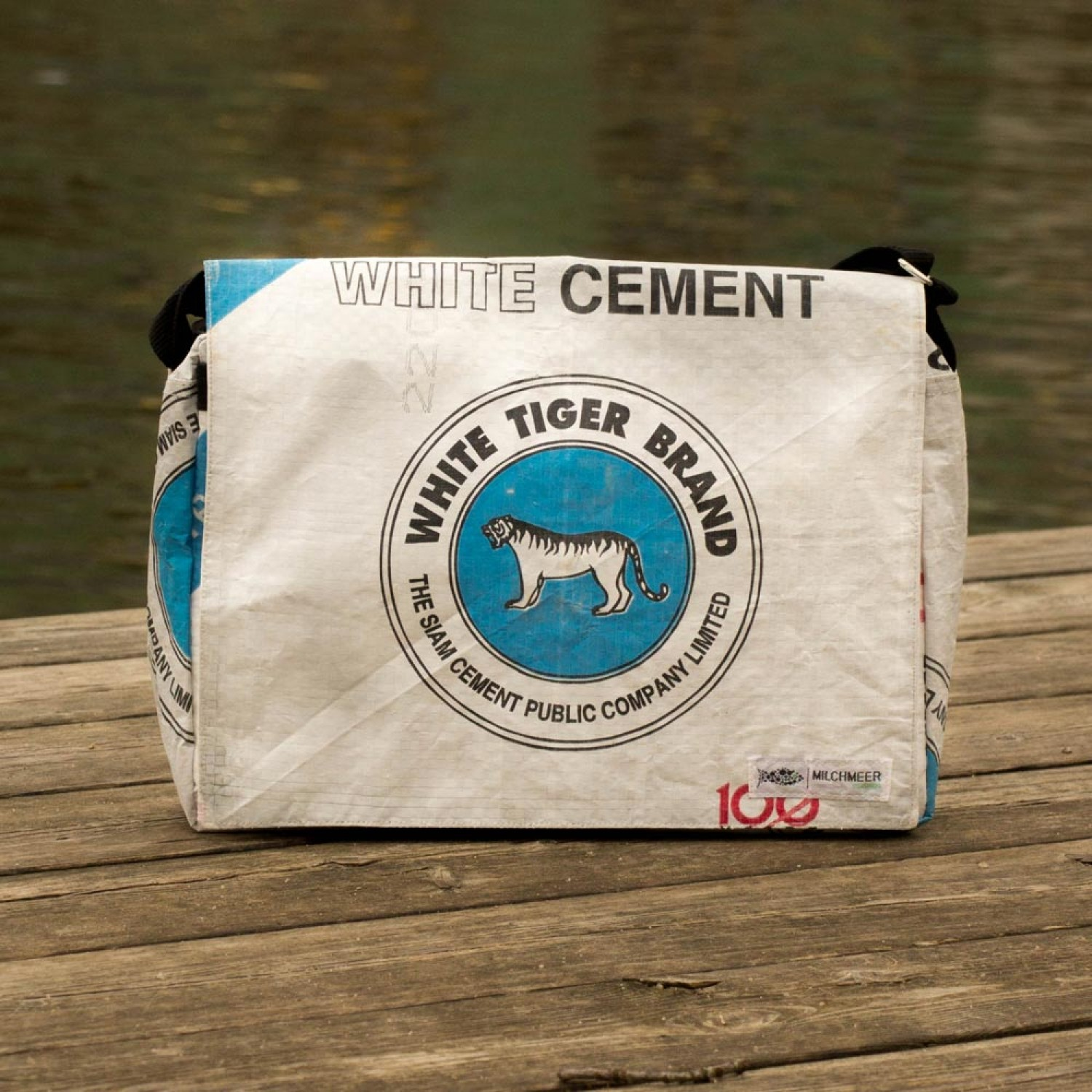 Tasche Recycling Upcycling Messenger Bag White Tiger