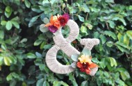 DIY_ampersand_twine_flowers