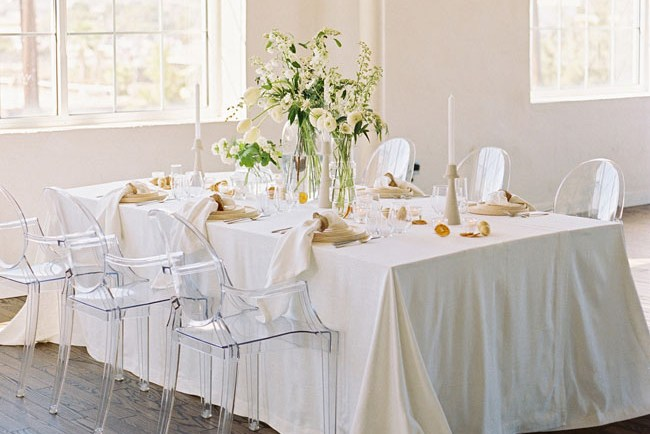 white organic tablescape