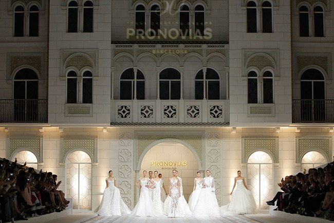 Pronovias_fashion_show_main