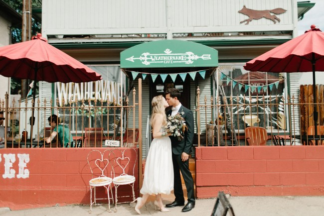 coffeeshop-elopement-thumb