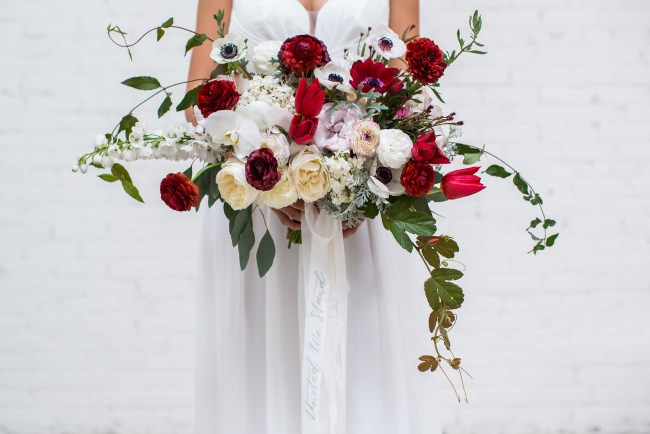 red_white_bouquet