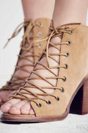 minimal-lace-up-heel