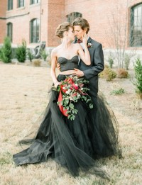 Moody Autumn Wedding Inspiration with a Black Wedding