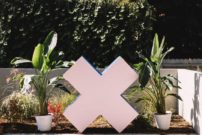 pink x altar