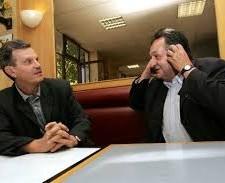 Raymond Avrillier (Verts/Ades) (ici avec Alain Pilaud Président (PS) d'Alpexpo (!) ) était vice président de la Métro au moment de la signature des emprunts toxiques