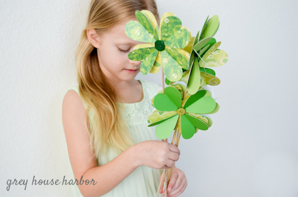 paper four leaf clover diy  |  greyhouseharbor.com