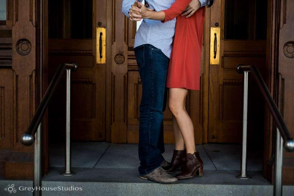 Salute-Bushnell-Park-hartford-Engagement-photos-Sarah-Ryan-greyhousestudios-007
