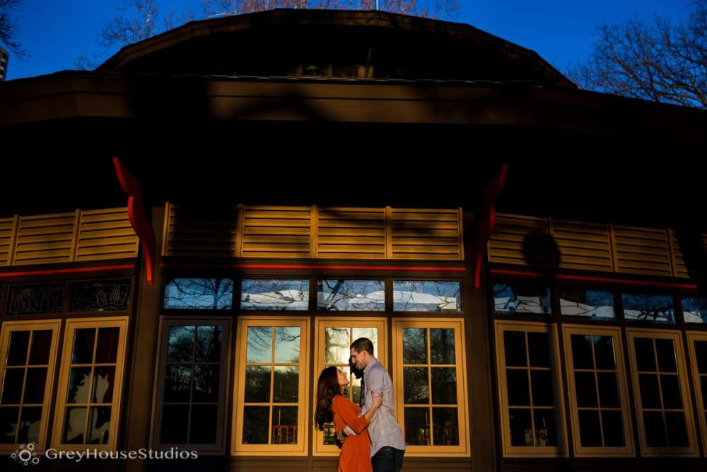 Salute-Bushnell-Park-hartford-Engagement-photos-Sarah-Ryan-greyhousestudios-009