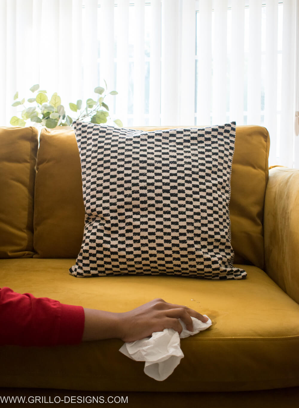 Fliegender Teppich Terraria Velvet Sofa Hard To Clean How To Care For A Microfiber Sofa Or