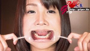 舌ピアス体液フェチ娘 口腔接写鑑賞と全身舐めほじり/東杏果