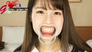 素人娘対抗!!スーパー口腔大¥会/派遣社員のまゆちゃん&短大生のことみちゃん