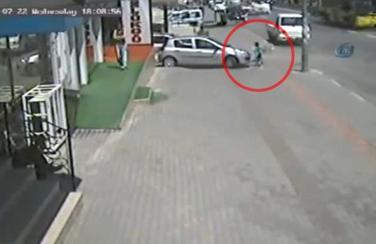 【死亡事故】小さい子供を一人で歩かせた結果・・・ ※閲覧注意