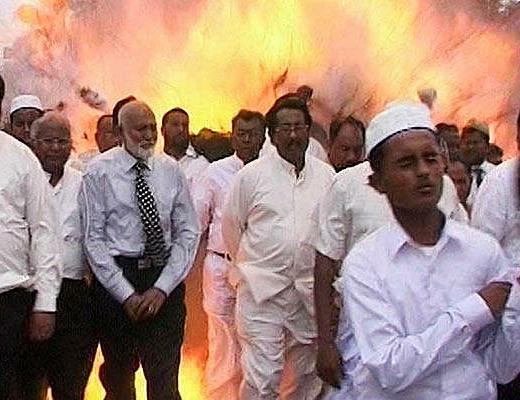 【自爆テロ】6人が巻き込まれ即死した自爆テロの一部始終