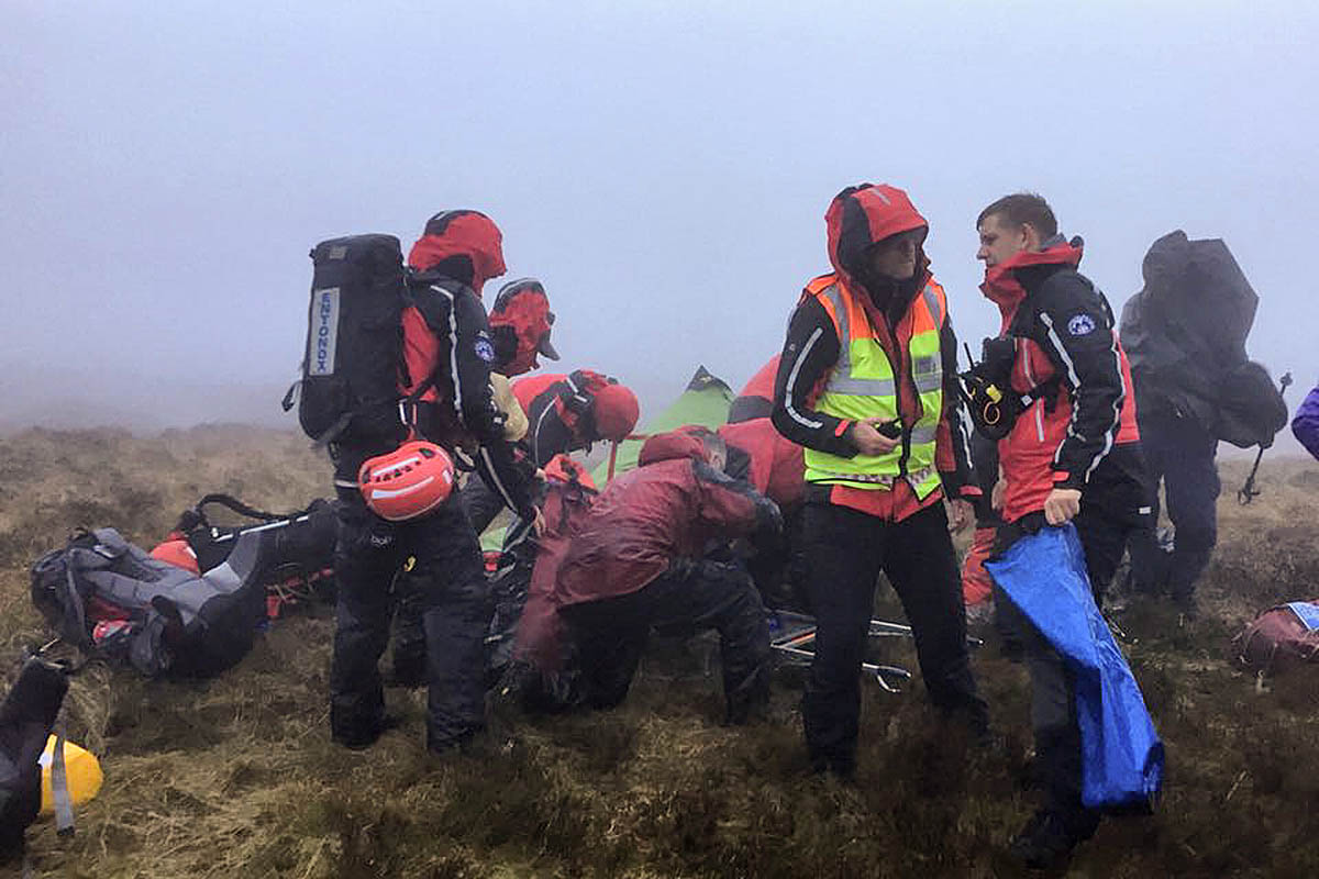 Kinder Outdoor Grough Three Teams In Four Hour Stretcher Carry Of Injured
