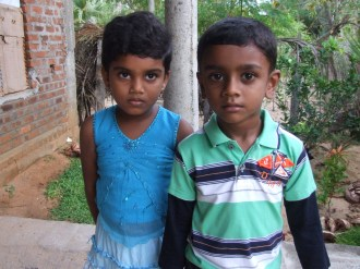 Abhilash Jeyaraj (5) with his cousin Thulanika Uthyaramesh (6)
