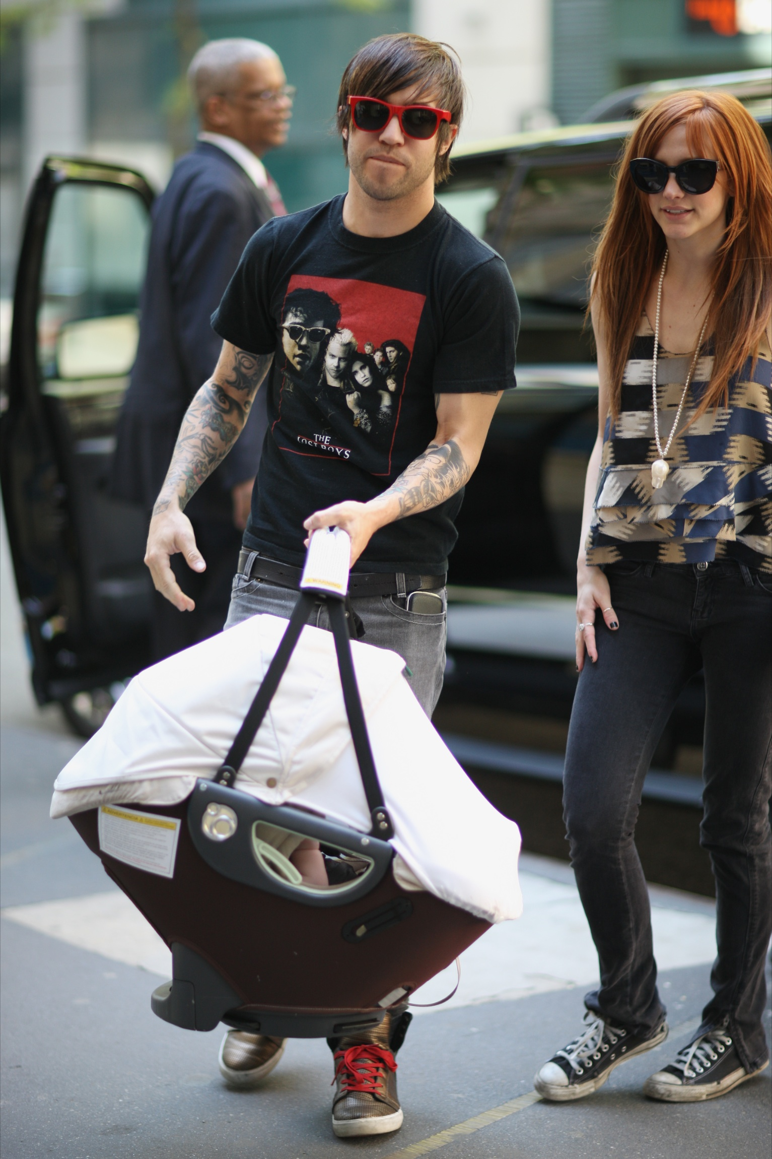 Baby Stroller In Usa Ashlee And Pete Wentz With Son Bronx Growing Your Baby