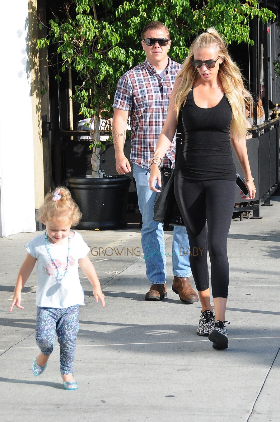 Britax Car Seat With Stroller Petra Ecclestone Out In La With Her Daughter Lavinia Stunt