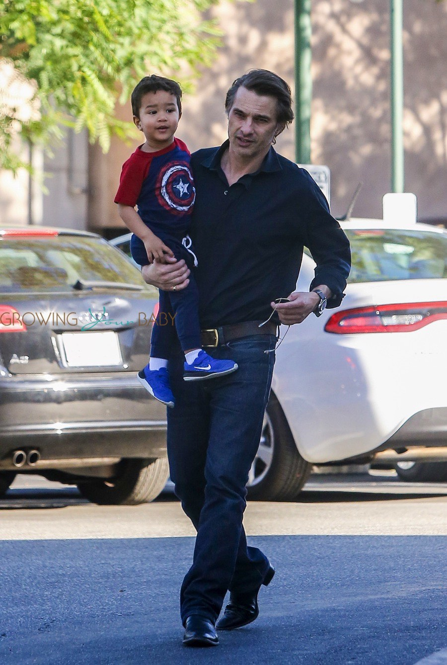 Britax Car Seat With Stroller Olivier Martinez Takes His Son Maceo Shopping At Bristol