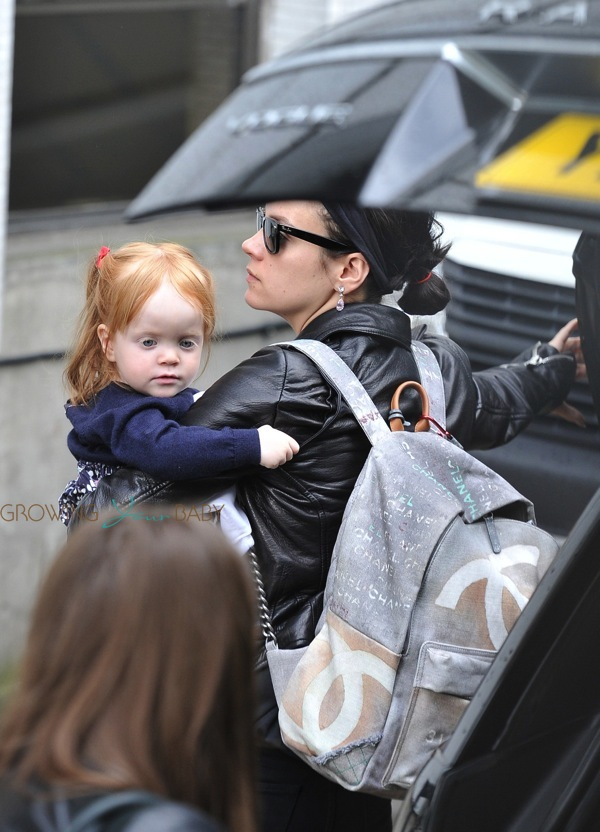 Britax Car Seat With Stroller Lily Allen Out With Daughter Ethel Cooper Growing Your Baby