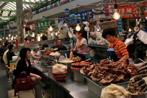 gwanjang traditional market seoul, things to see in seoul, cool things to do in seoul, seoul trip planning