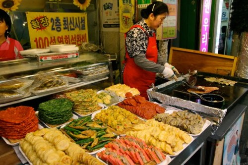 traditional markets in seoul, things to see in seoul, cool things to do in seoul, seoul trip planning