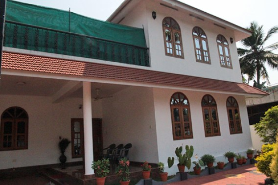 brown guesthouse, accommodations in alleypey, accommodations in india