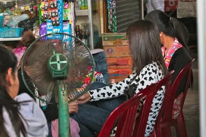 cambodian nail salon
