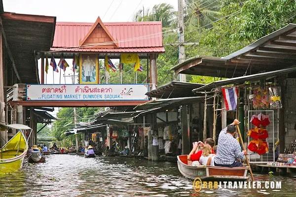 taking a boat tour to damnoen saduak market thailand, thailand floating markets