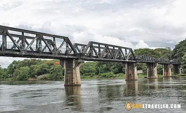 Bridge over River Kwai Kachanaburi, getting to kachanaburi, things to see and do in kachanaburi, death railway thailand