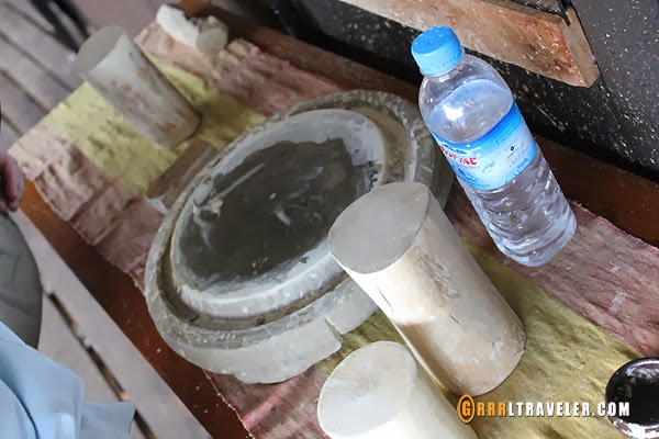 thanaka paste myanmar, thanaka cream in burmese women