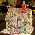 thumbs gingerbread houses 011