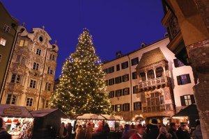 Hektik und Stress pur: Adventmärkte in Österreich (Bild: www.innsbruck.info)